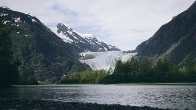 How to get a good quality salmon dinner in Alaska